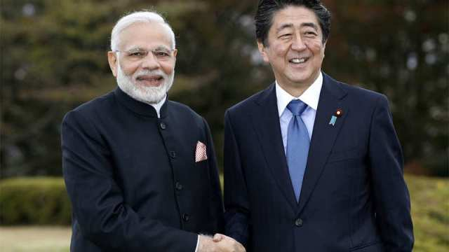 PM Modi meets Shinzo Abe, will also visit India Business Pavilion today