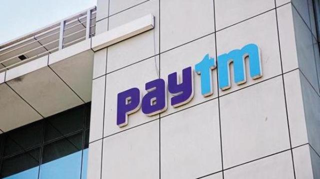 Paytm gives big blow to customers