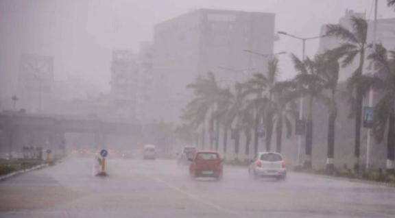 Cyclone Tauktae 3 Dead in Mumbai